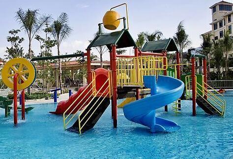 为此,大阪市政府将鹤见区的鹤见绿地公园改造成了儿童医院,将公园的